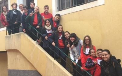 Alumnos de sexto visitan Cáritas Parroquial